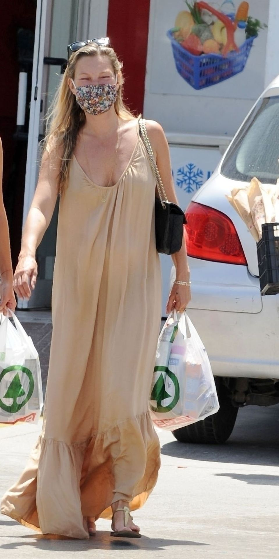 Kate Moss Looks Sexy while Spotted in Ibiza (18 Photos)