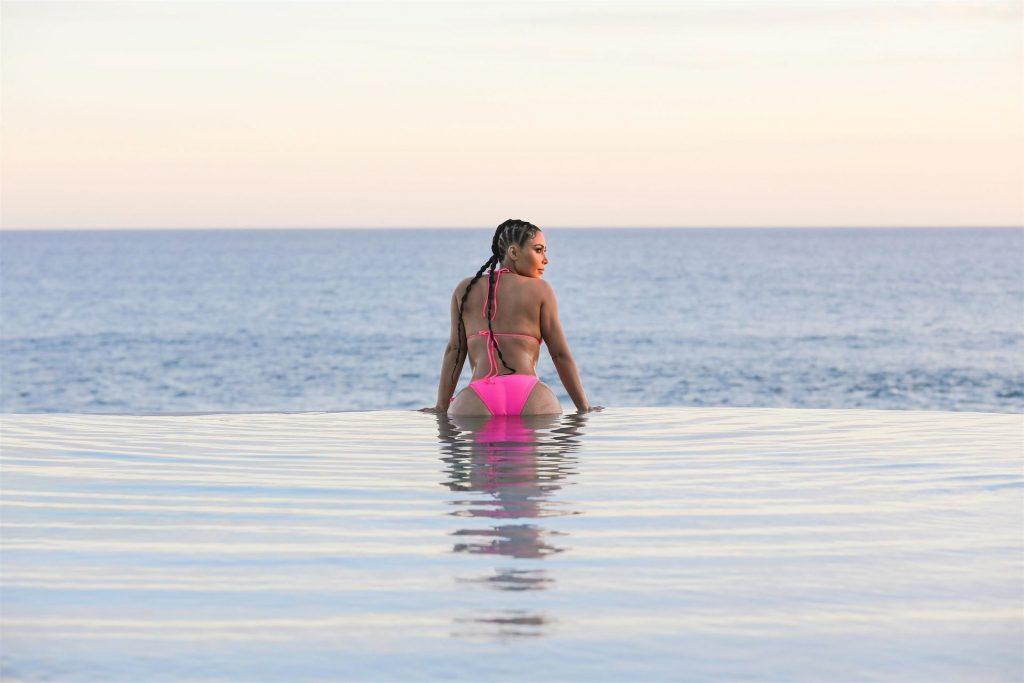 Bikini Clad Kim Kardashian is Back to Work! (32 Photos)