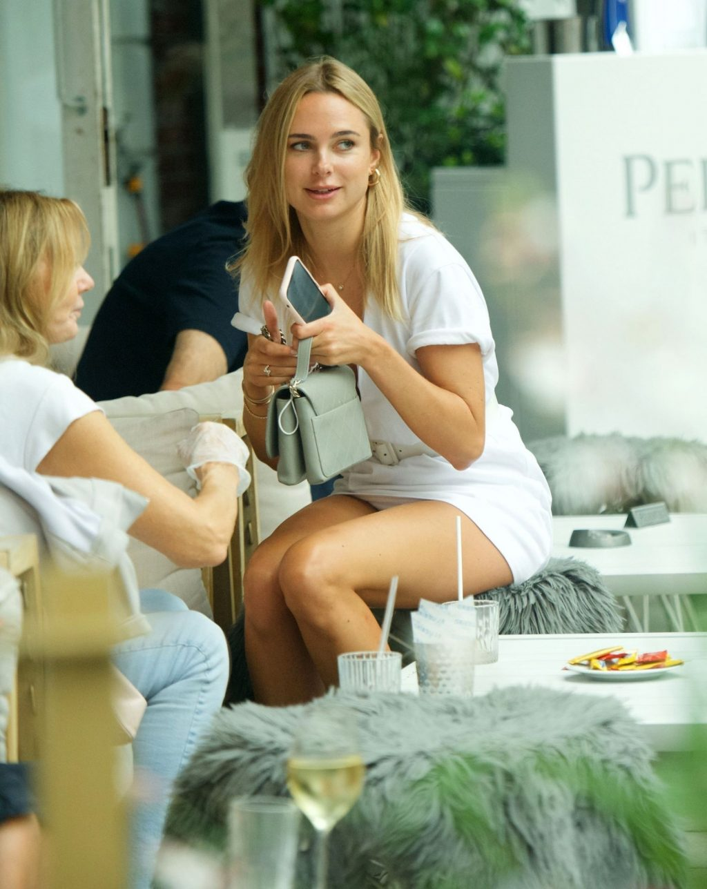 Kimberley Garner Shows Her Pussy in Chelsea (38 Photos)