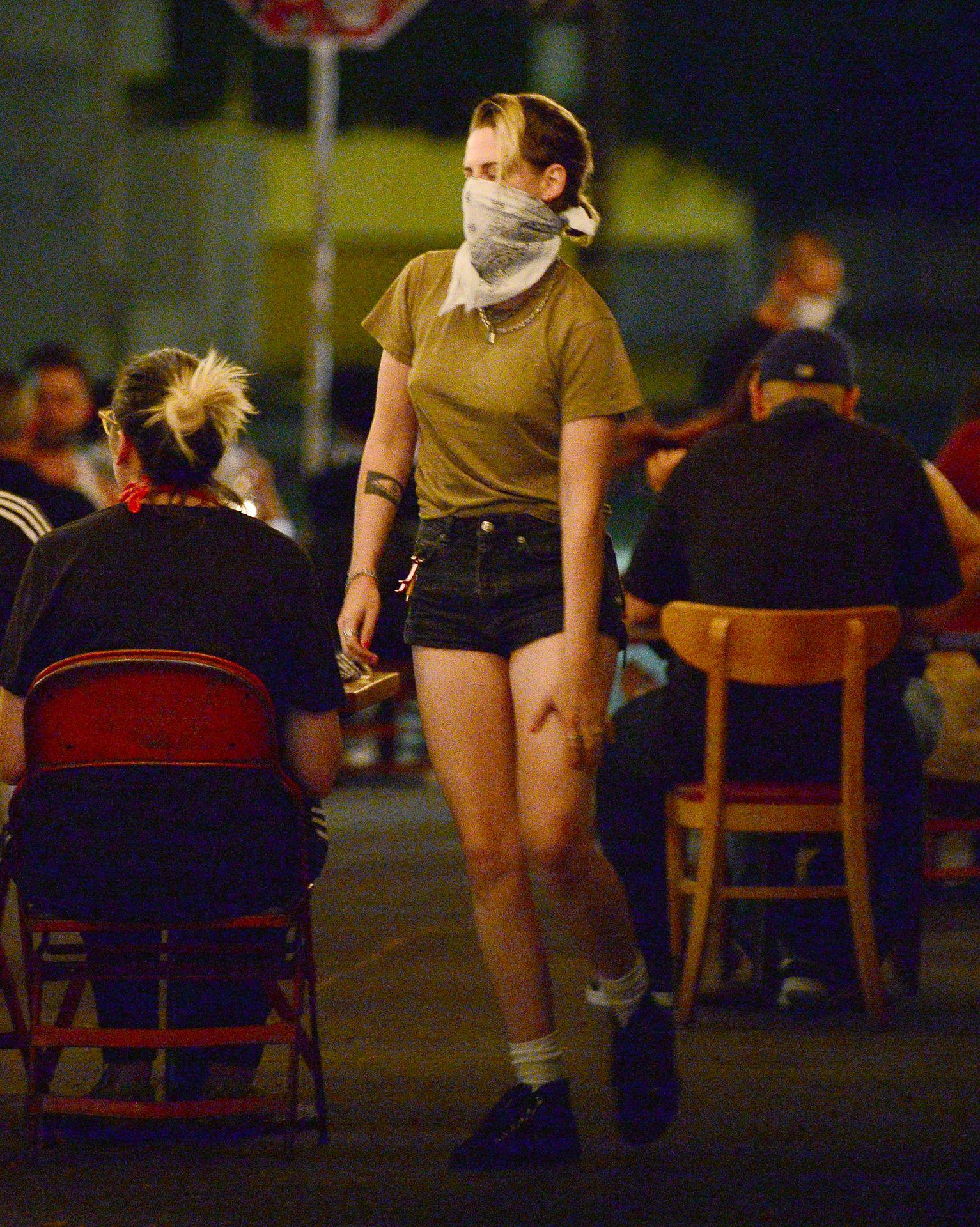 Kristen-Stewart-Dylan-Meyer-Sexy-The-Fappening-Blog-47.jpg