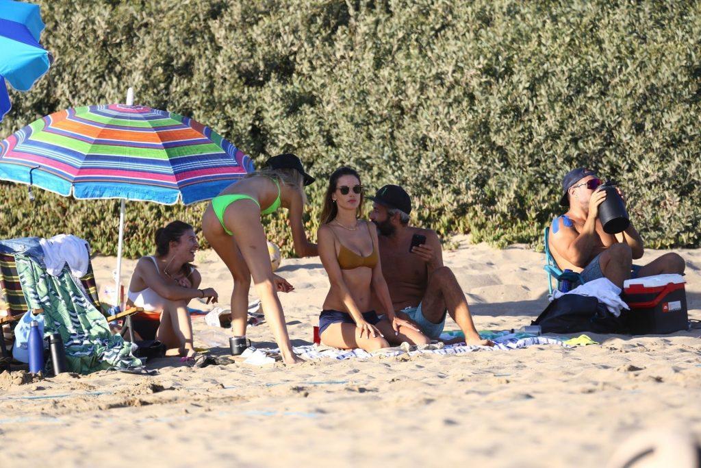 Sexy Ludi Delfino Enjoys a Day with Alessandra Ambrosio (13 Photos)