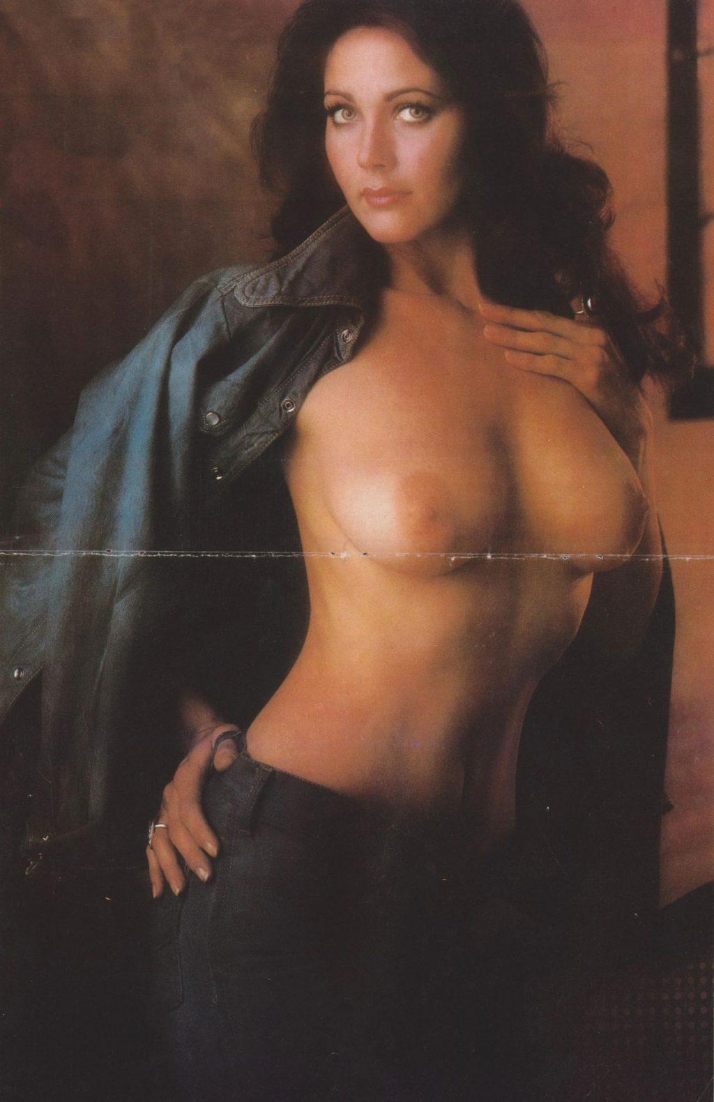 Lynda Carter Nude (3 Photos)