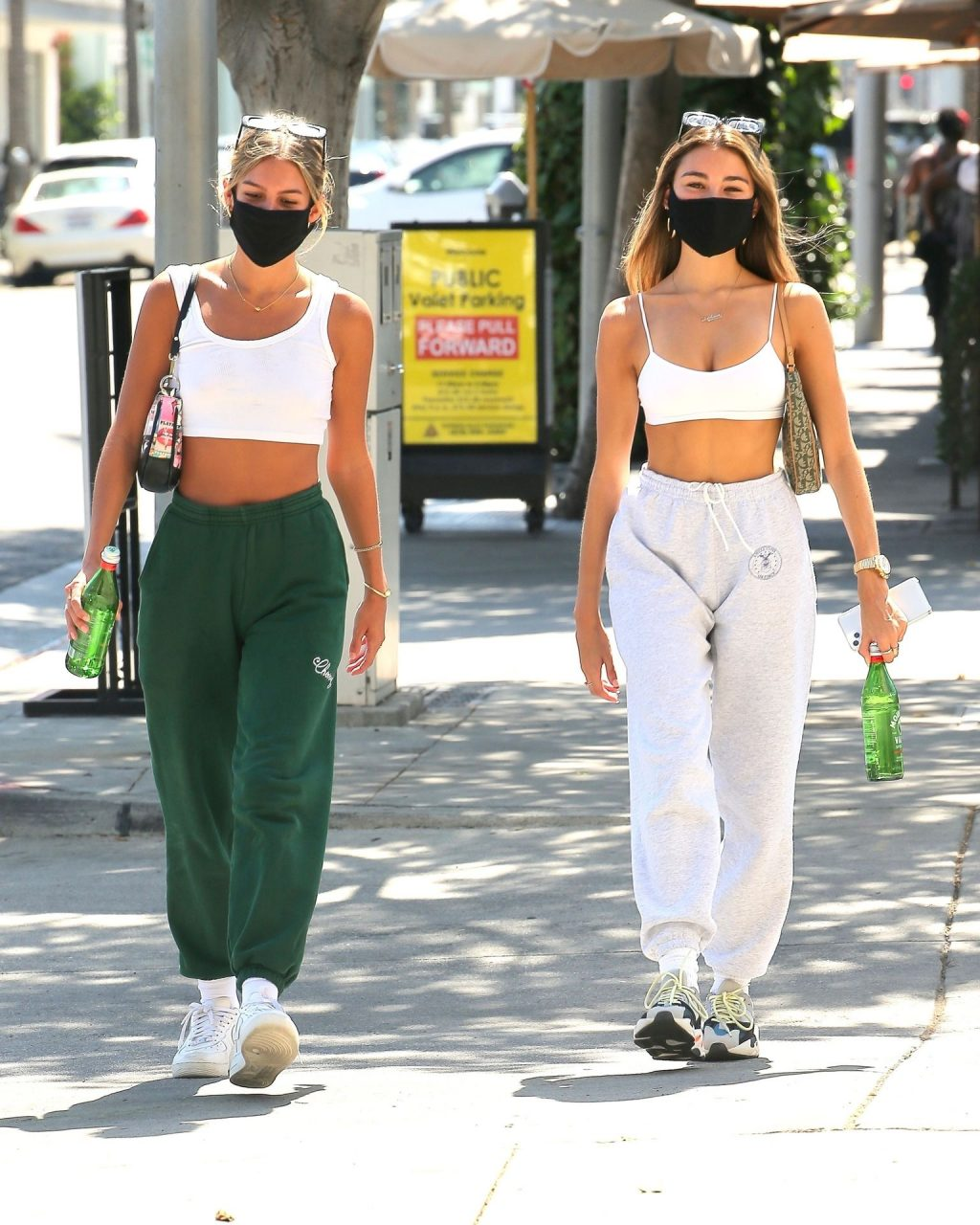 Madison Beer Shows Off Her Toned Abs While Leaving Il Pastaio (7 Photos)