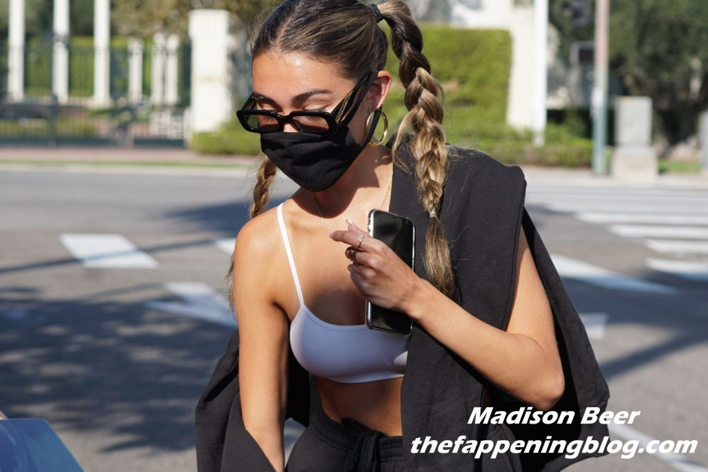 Sexy Madison Beer & Nick Austin are Spotted Having Dinner in Beverly Hills (22 Photos)