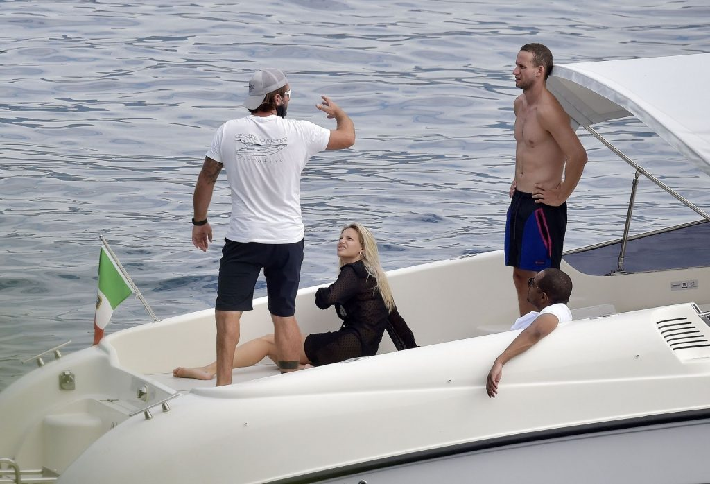 Sexy Nibar Madar Is Spotted on Her Holidays Out in Portofino (27 Photos)