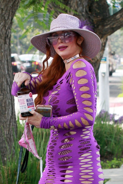 Phoebe Price Tries Kombucha Health Aid in LA (59 Photos)
