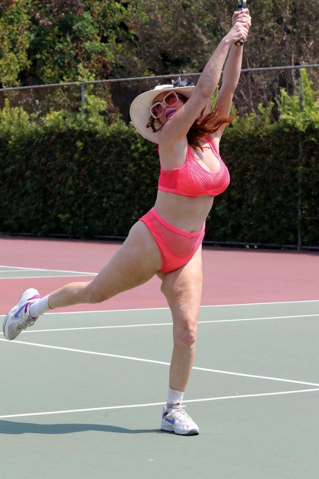 Phoebe Price Gets Wet (89 Sexy Photos)