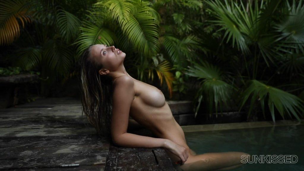Polina Malinovskaya Nude (10 Pics + Video)
