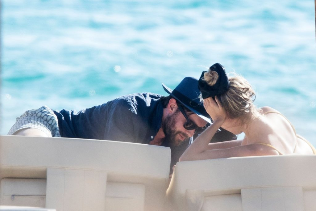 Jack Whitehall & Roxy Horner Pack on the PDA while Vacationing in Greece (23 Photos)
