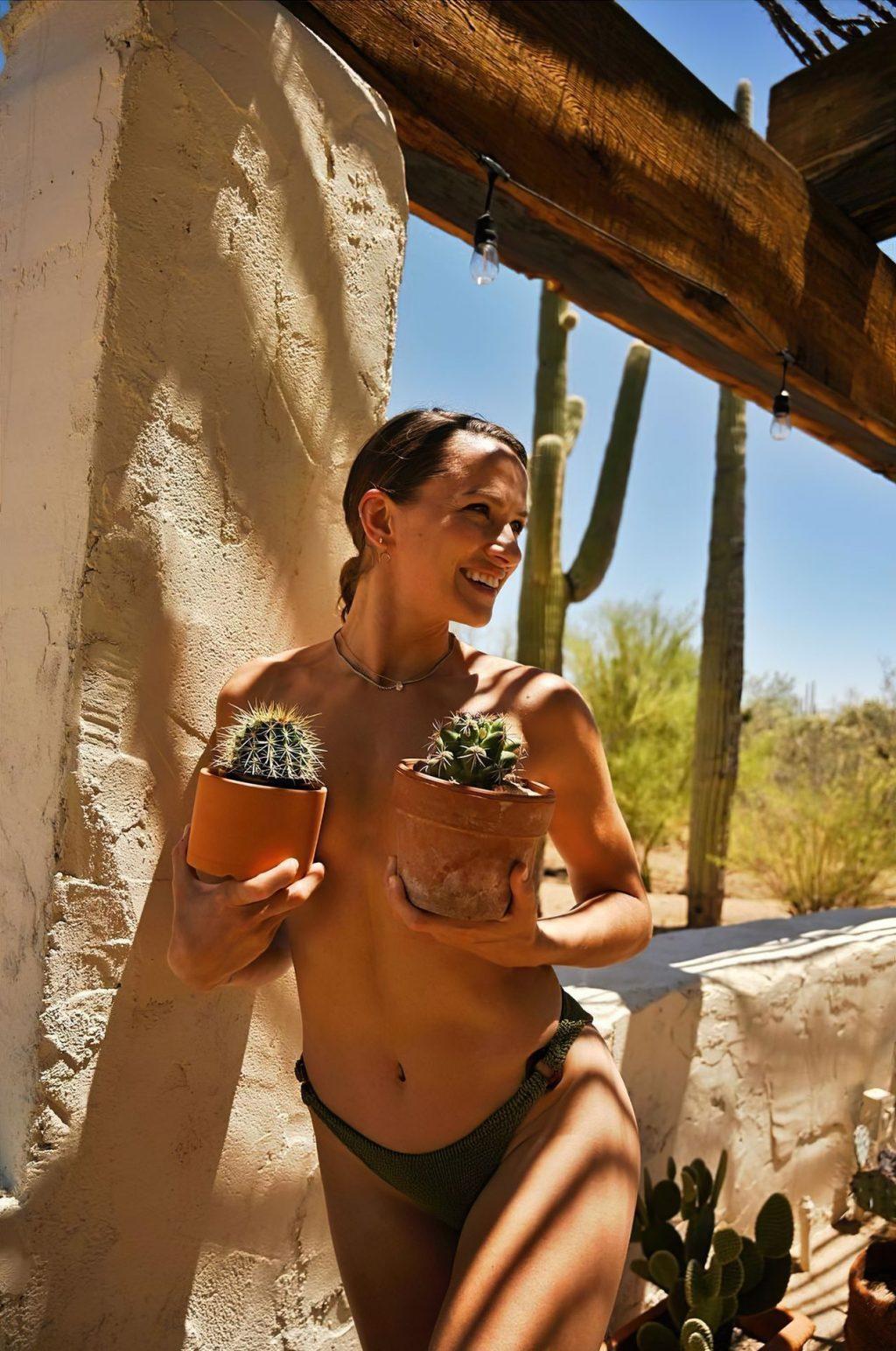 Shantel VanSanten Topless (1 Photo)