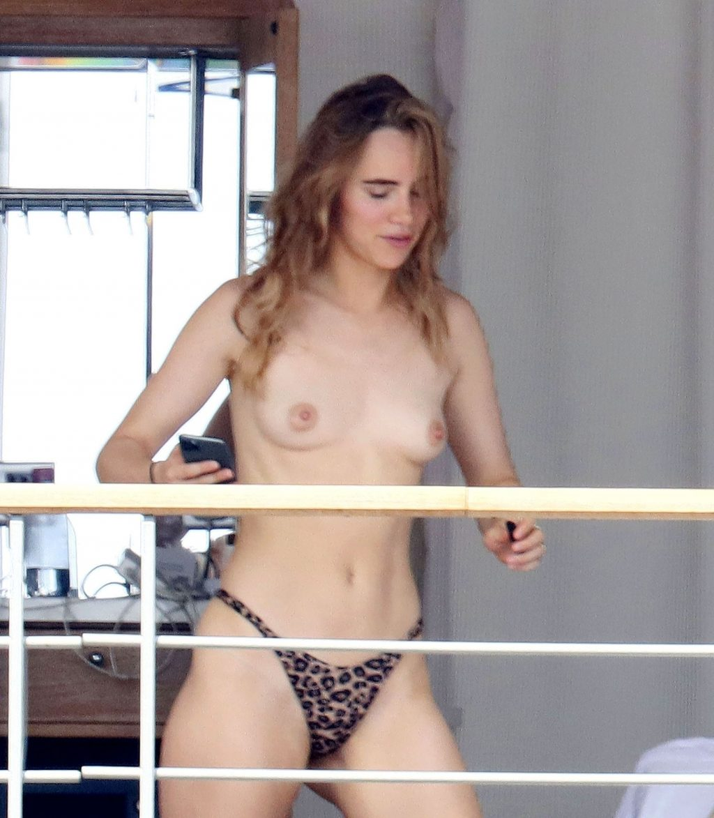 Suki Waterhouse Goes Nude While Sunbathing on Her Holiday in France (25 Photos)