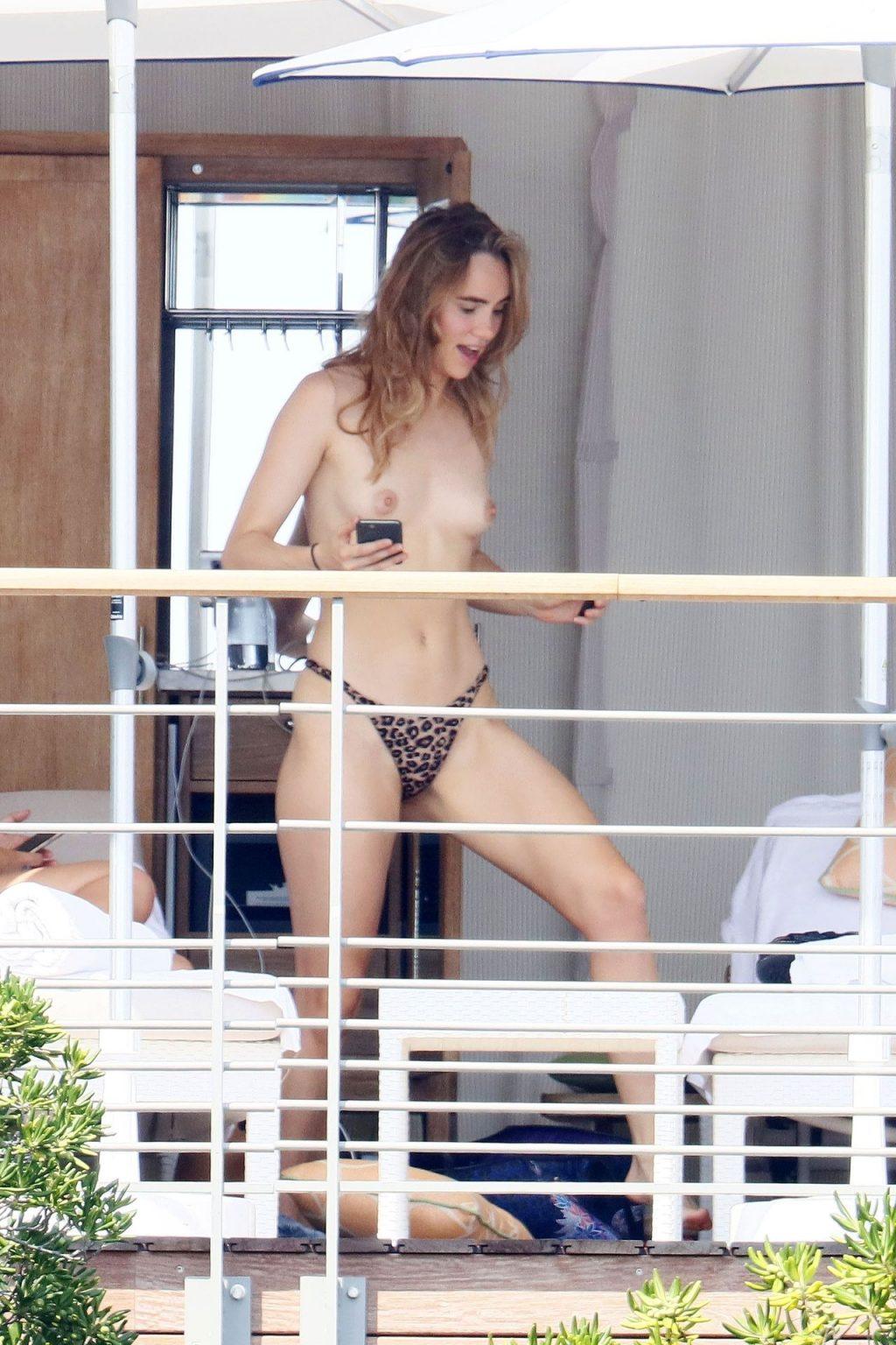 Suki Waterhouse Goes Nude While Sunbathing on Her Holiday in France (25 Photos)