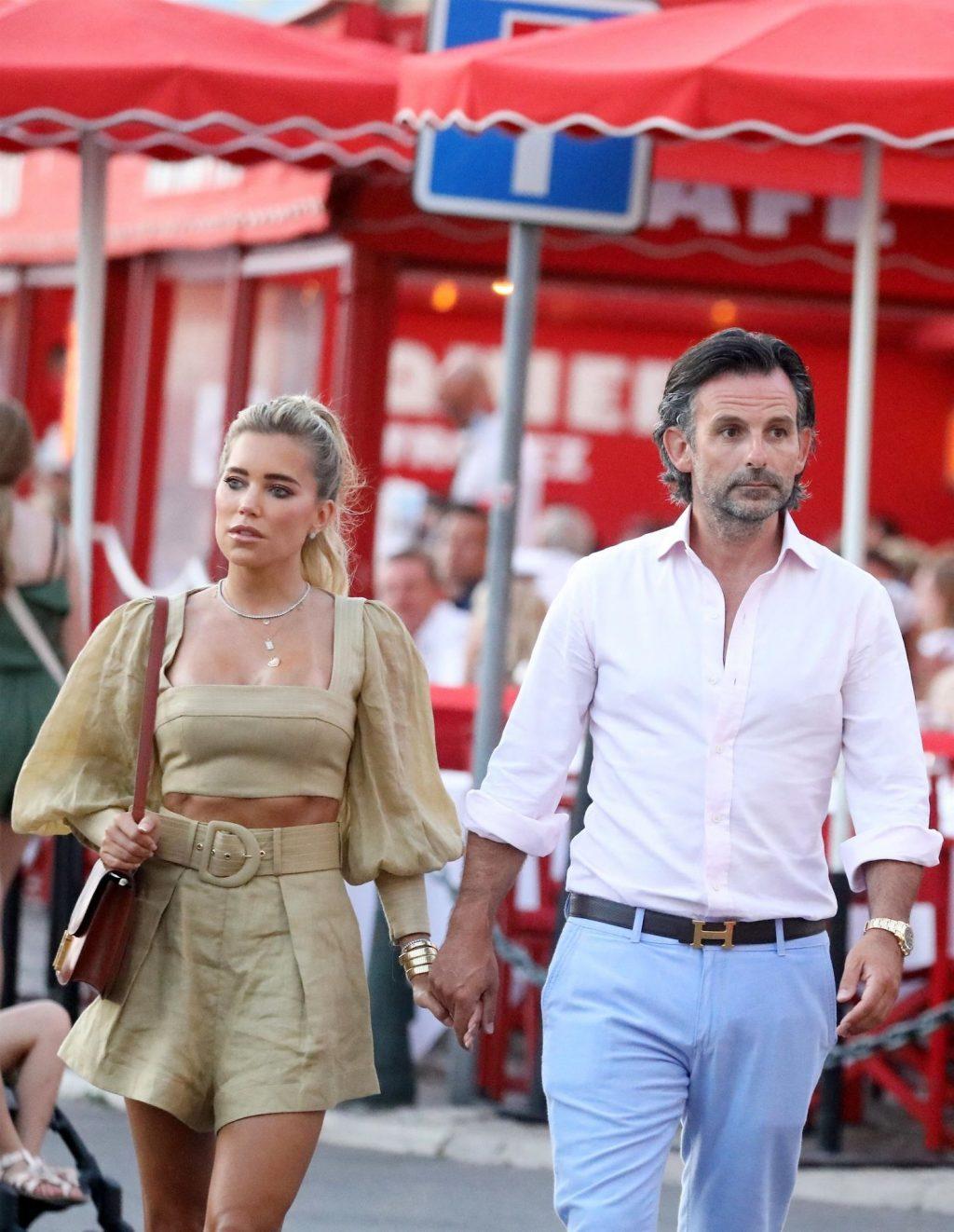 Sylvie Meis and Niclas Castello Take a Stroll Through the Port of Saint-Tropez (25 Photos)