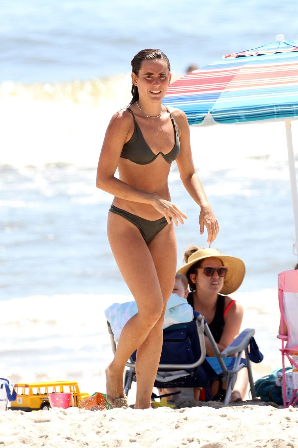 Victoria de Lesseps is Seen at the Beach in The Hamptons (16 Photos)