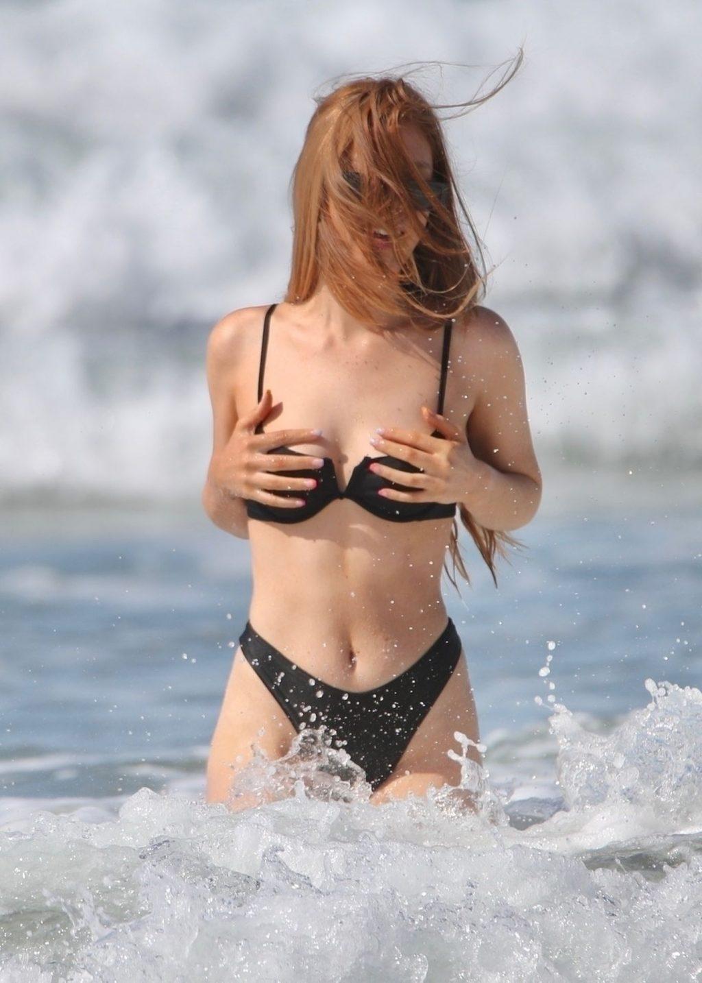 Zoe-Clare McDonald  nackt