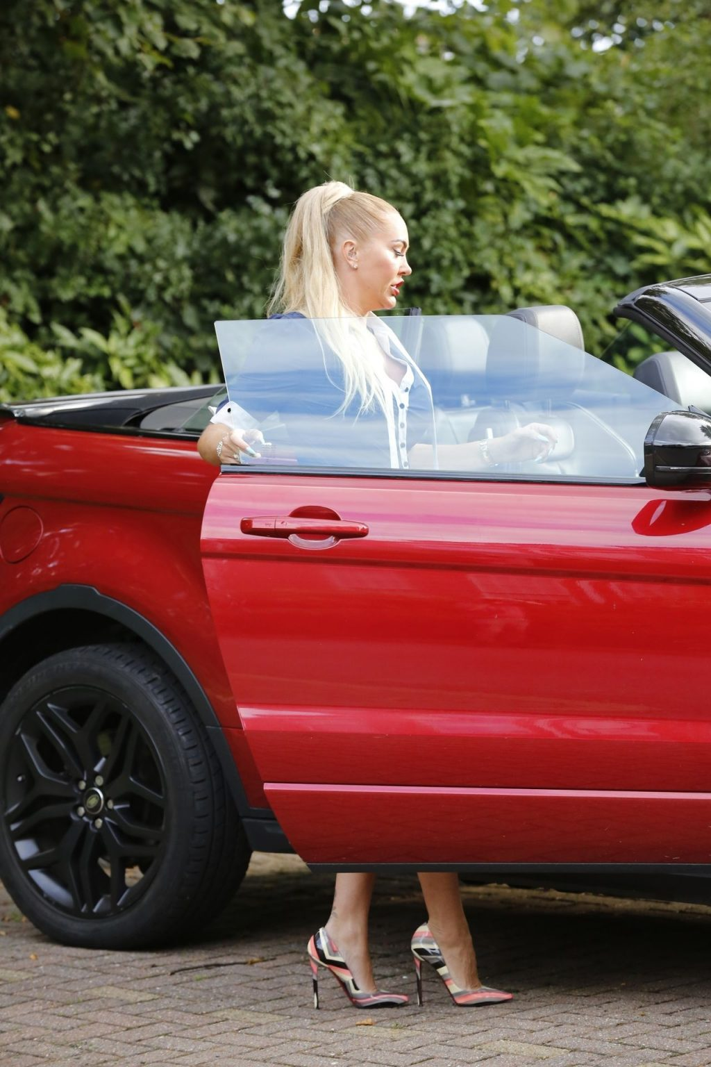 Aisleyne Horgan-Wallace Has a Incident with Her Car in London (35 Photos)