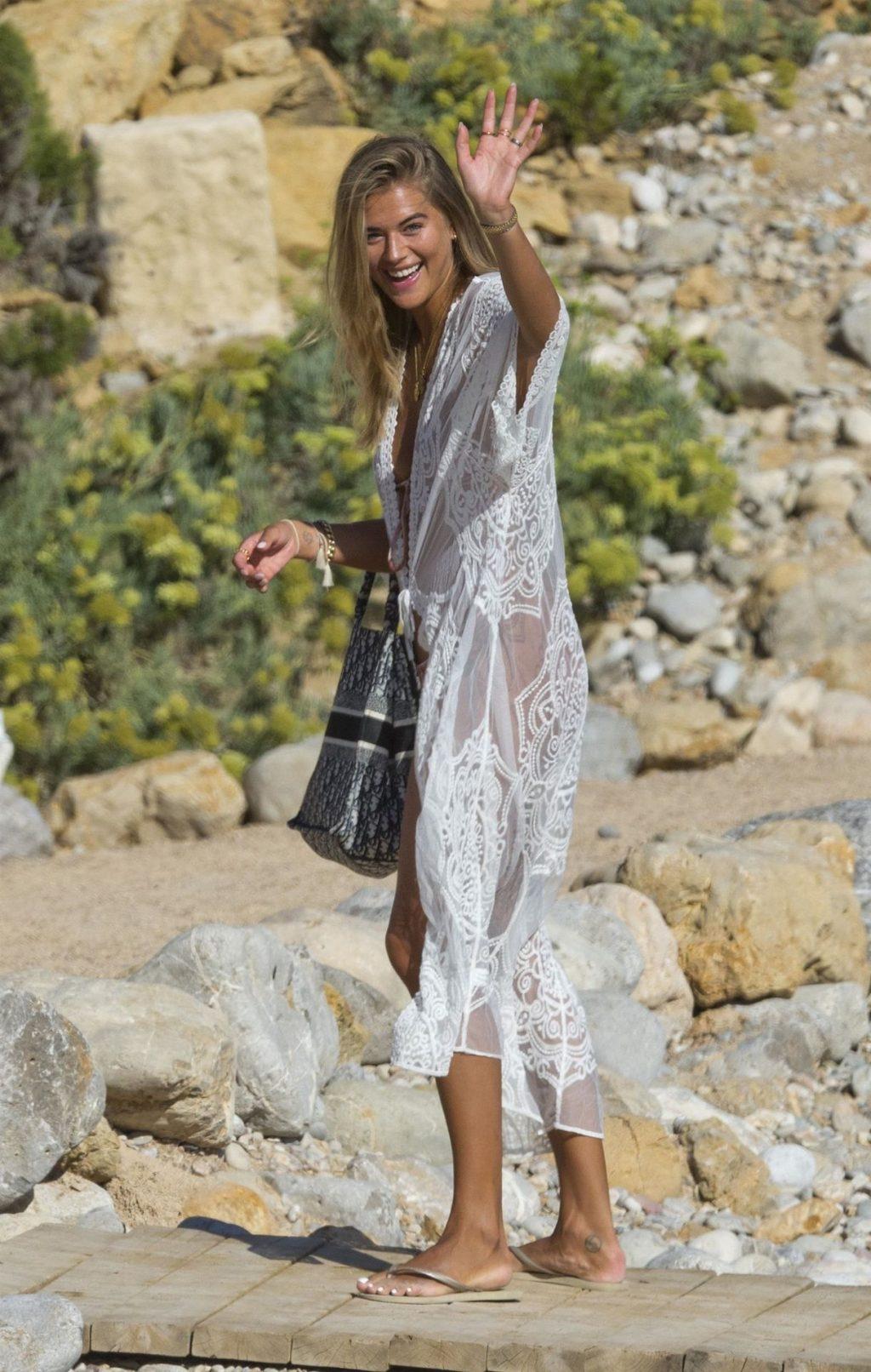 Arabella Chi Looks Stunning in Her Skimpy Bikini Set in Ibiza (45 Photos)