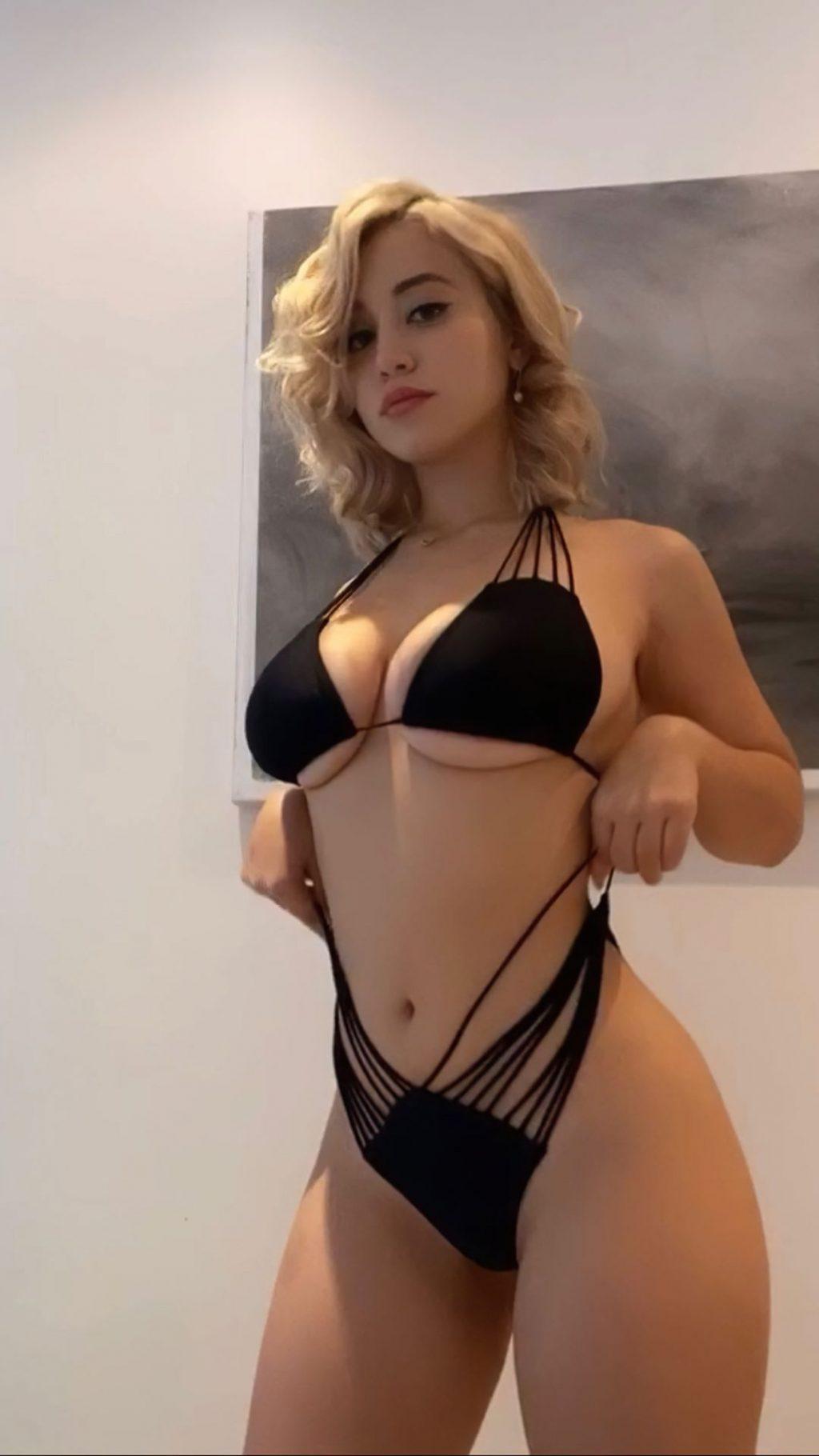 Caylee Cowan Nude & Sexy (4 Hot Photos)