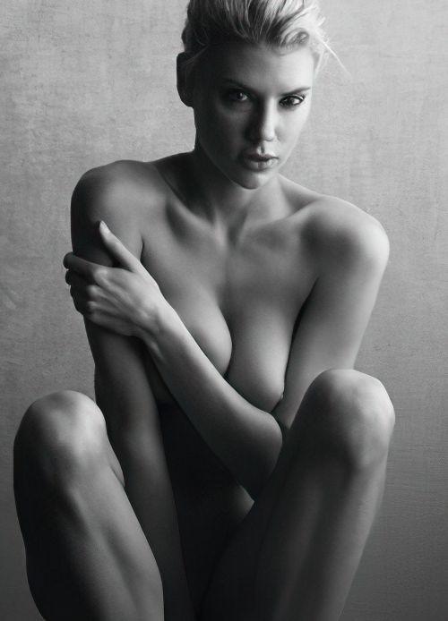 Charlotte Mckinney Nude (13 Photos)