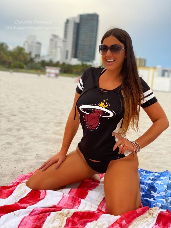 Claudia Romani Supports the Miami Heat (16 Photos)