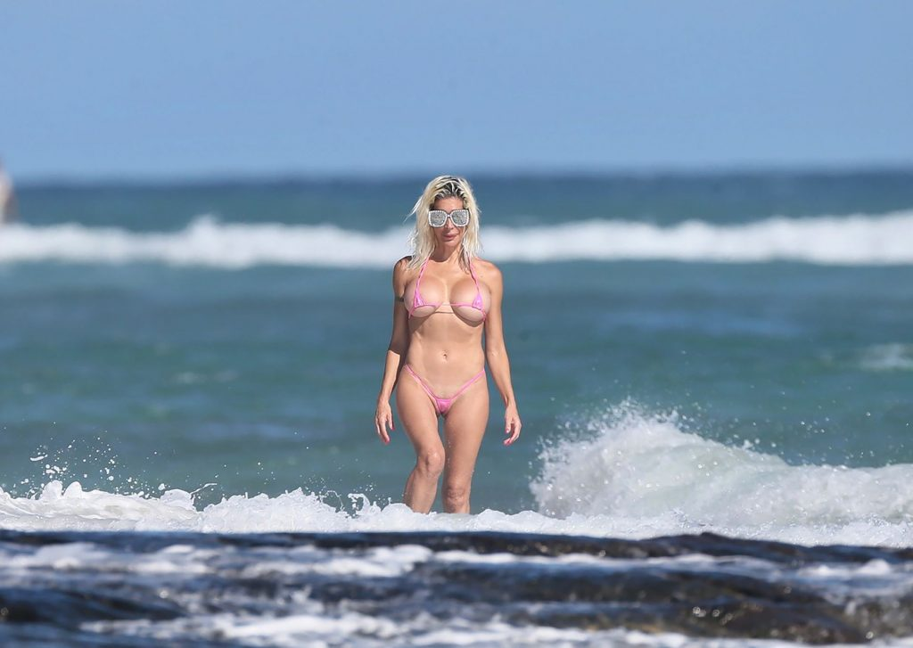 Frenchy Morgan is Spotted Posing on the Beach in Hawaii (9 Photos)