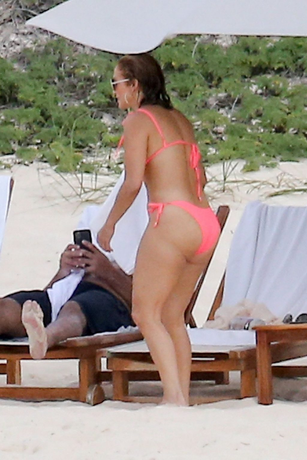 Jennifer Lopez & Alex Rodriguez Soak Up the Sun While Enjoying a Beach Day in Turks and Caicos (80 Photos)