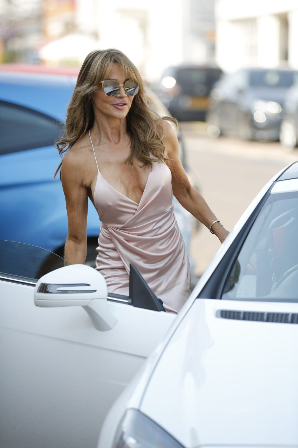 Lizzie Cundy Looks Amazingly Hot in Hampshire (37 Photos)