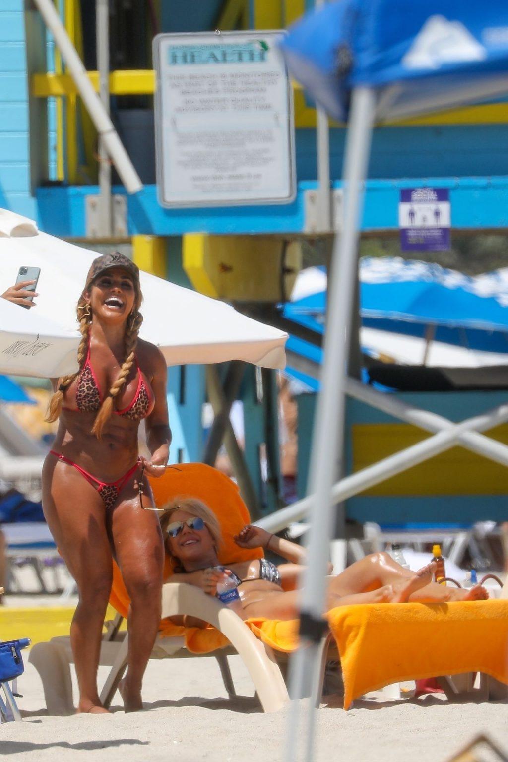 Maripily Rivera Enjoys a Beach Day in Miami (14 Photos)