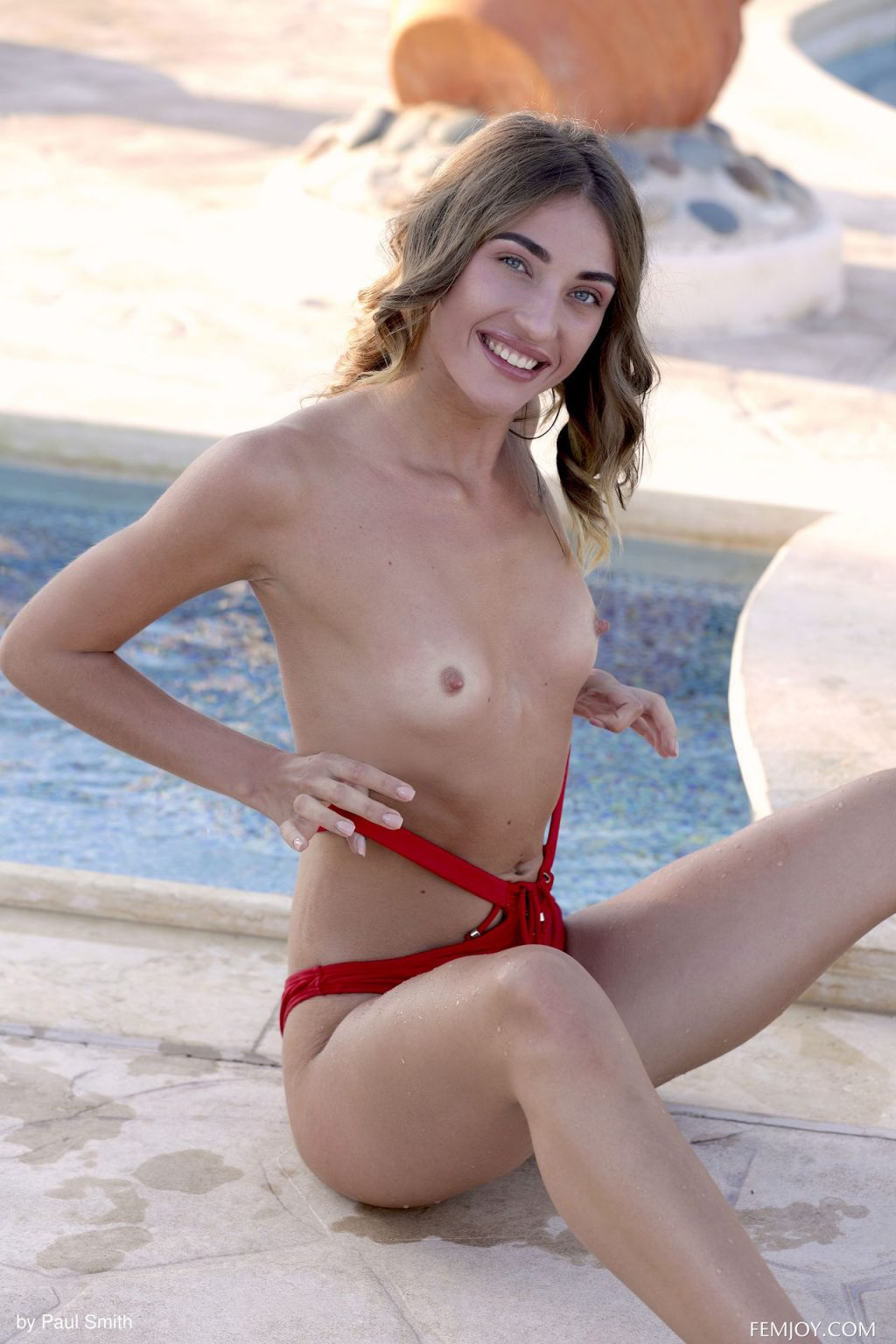 玛莎害羞的裸体