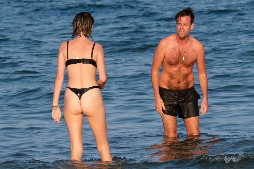 Maya Hawke Strips Off as She Sunbathes at the Beach in Venice (55 Nude & Sexy Photos)