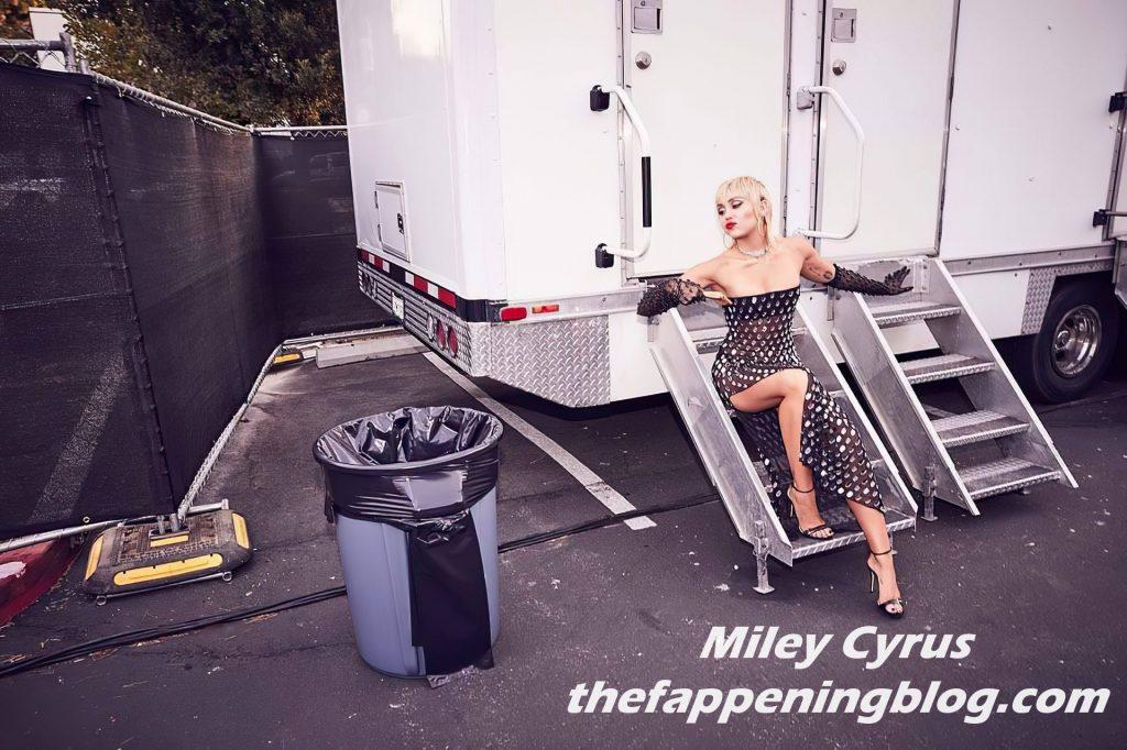 Miley Cyrus See Through & Sexy (14 Photos)