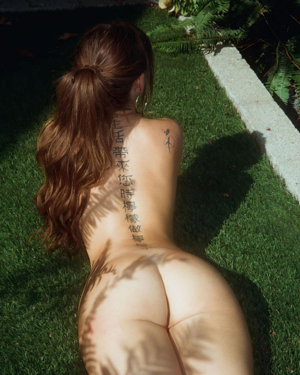 Riley Reid Nude (2 New Photos)