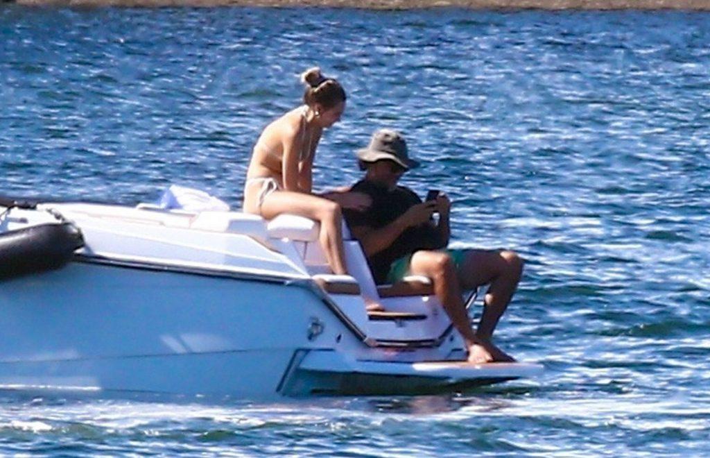 Roosmarijn De Kok & Jamison Ernest Kick Back on a Boat with Friends in Miami Beach (32 Photos + Video)