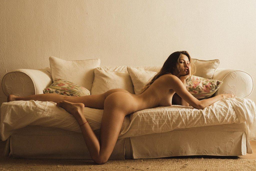 Sara Malcolm Nude (16 Photos)