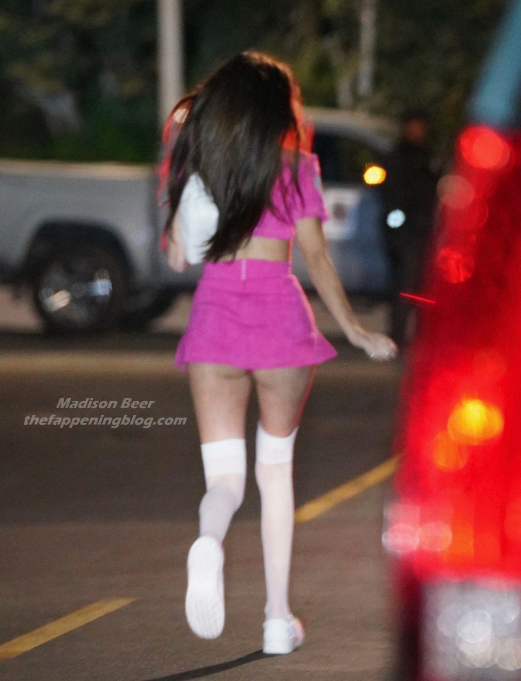 Madison Beer and Her Pal Enjoys Dinner at Catch in West Hollywood (17 Photos)