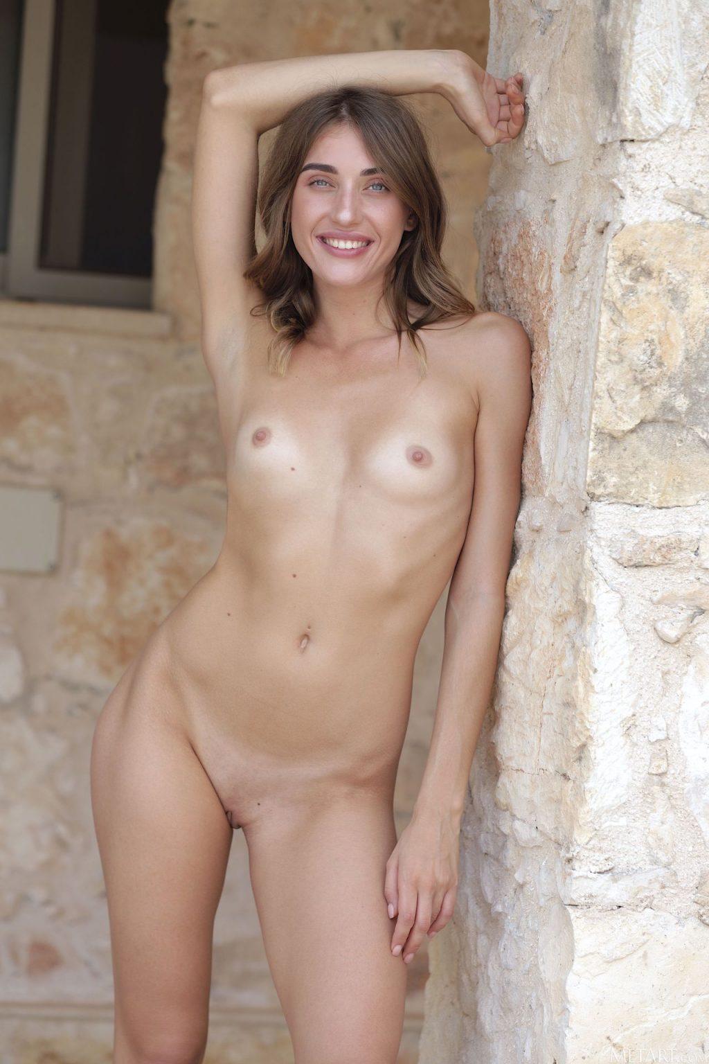 Masha Shy Nude (21 Photos)