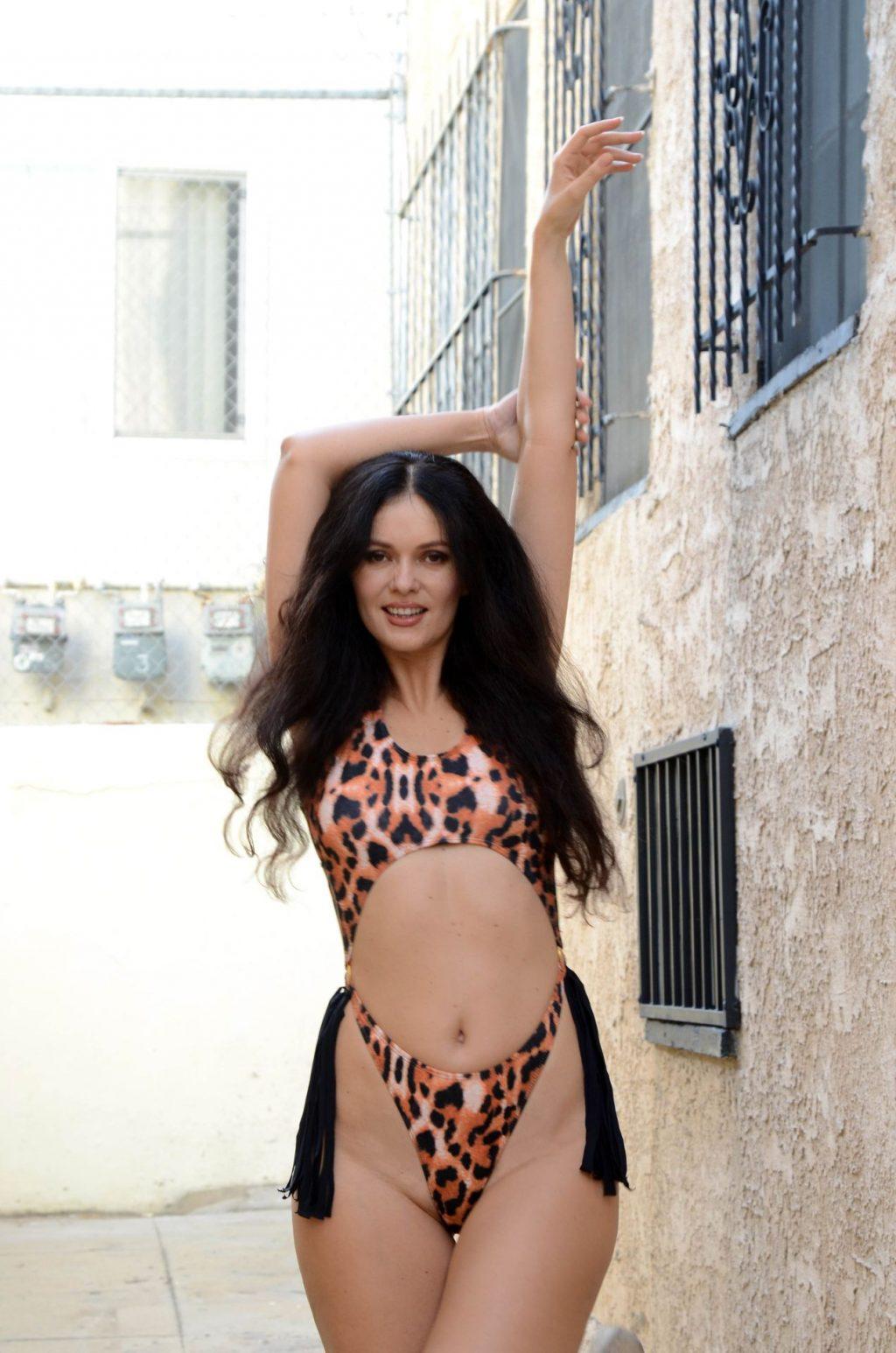 Natasha Blasick Cools Off in a Sexy Bikini (37 Photos)