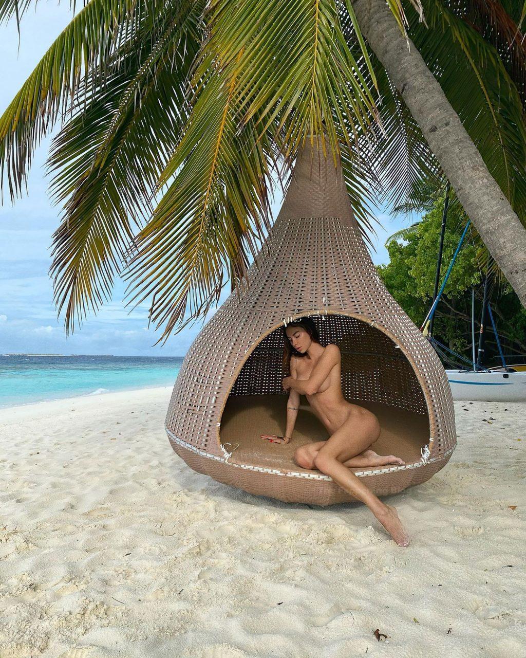 Valentina Fradegrada Poses Naked on the Beach (3 Photos)