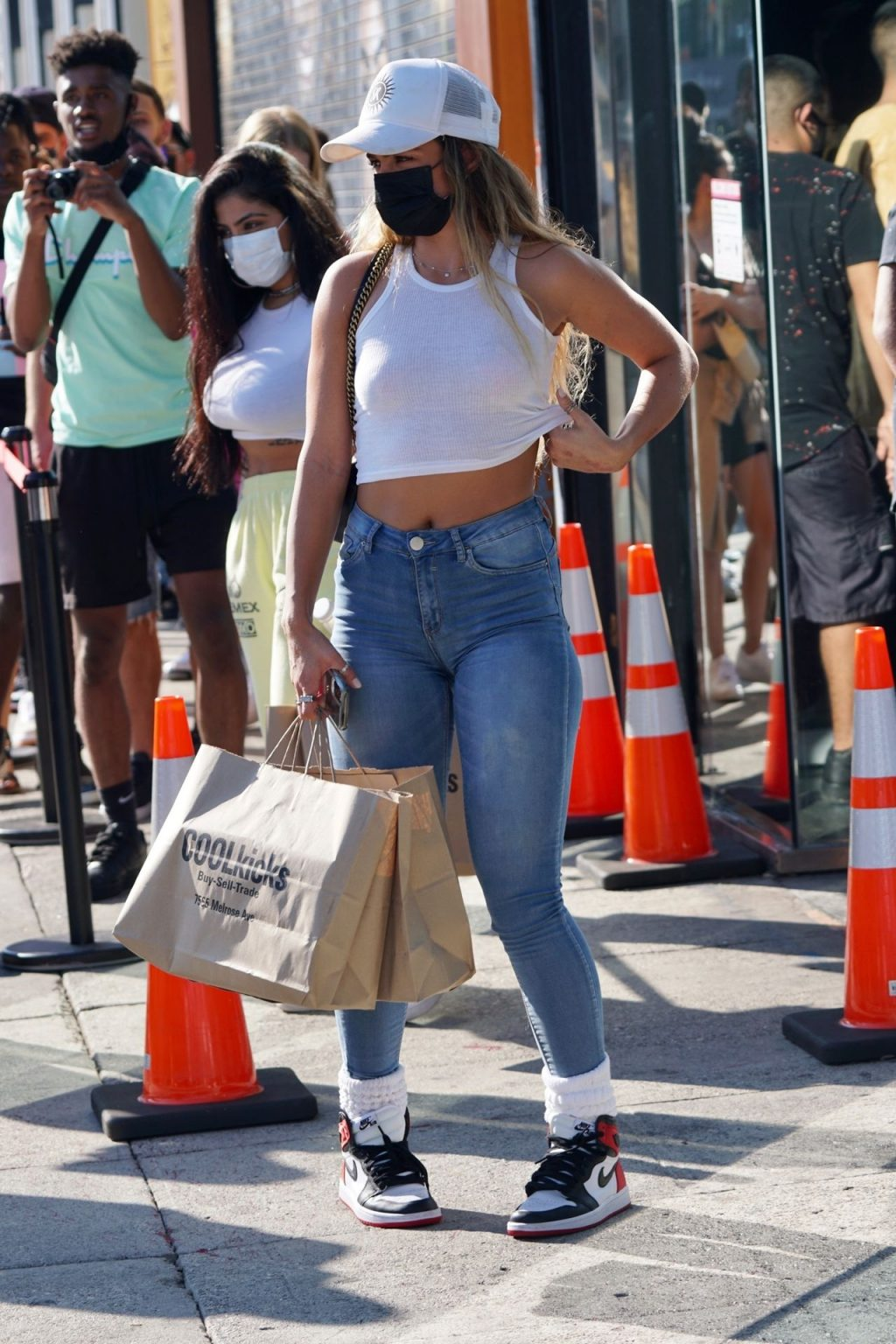 Sommer Ray Goes Sneaker Shopping at Cool Kicks in WeHo (23 Photos)
