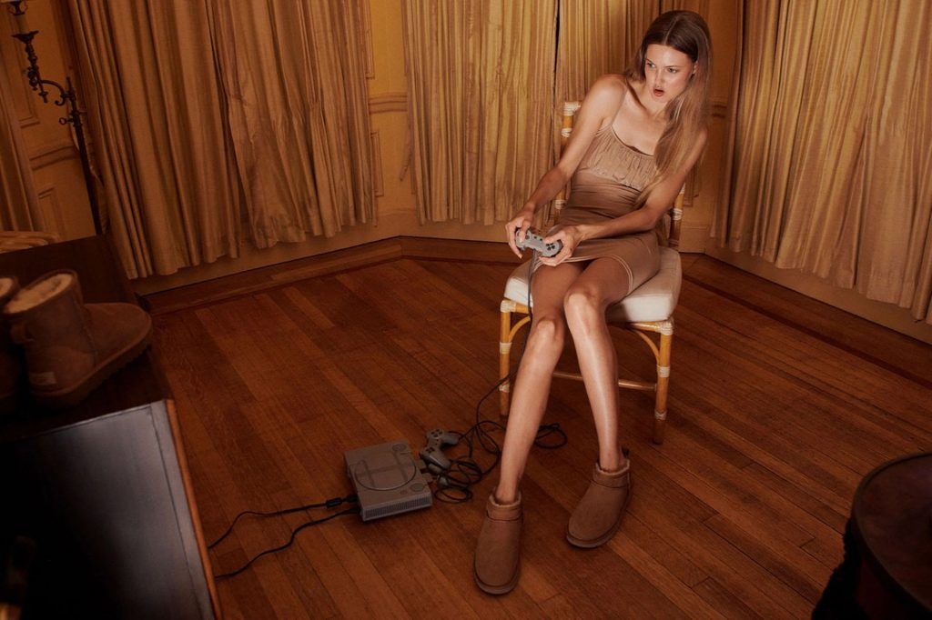 Lindsey Wixson & Ama Elsesser Promote UGG's Autumn Winter Campaign (21 Photos)