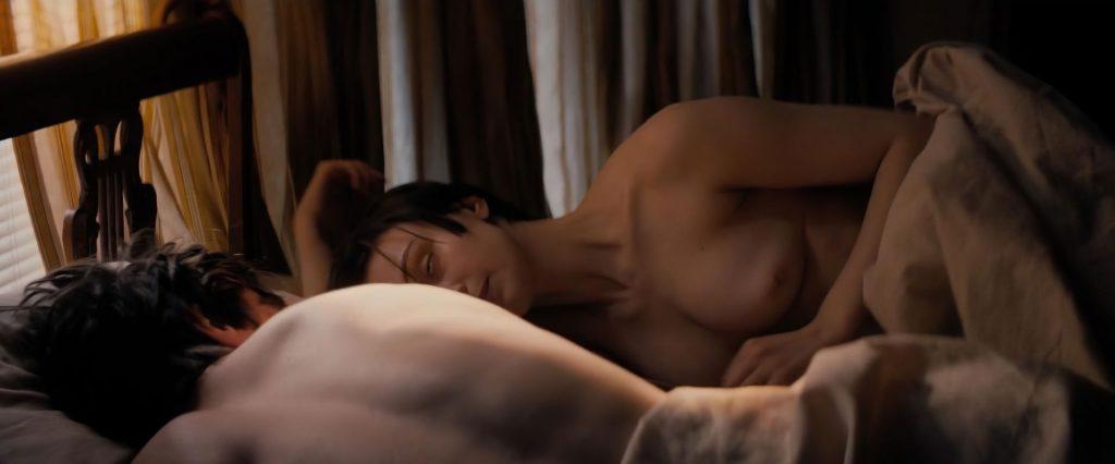 Sarah Gadon Nude & Sexy (27 Photos + Videos)