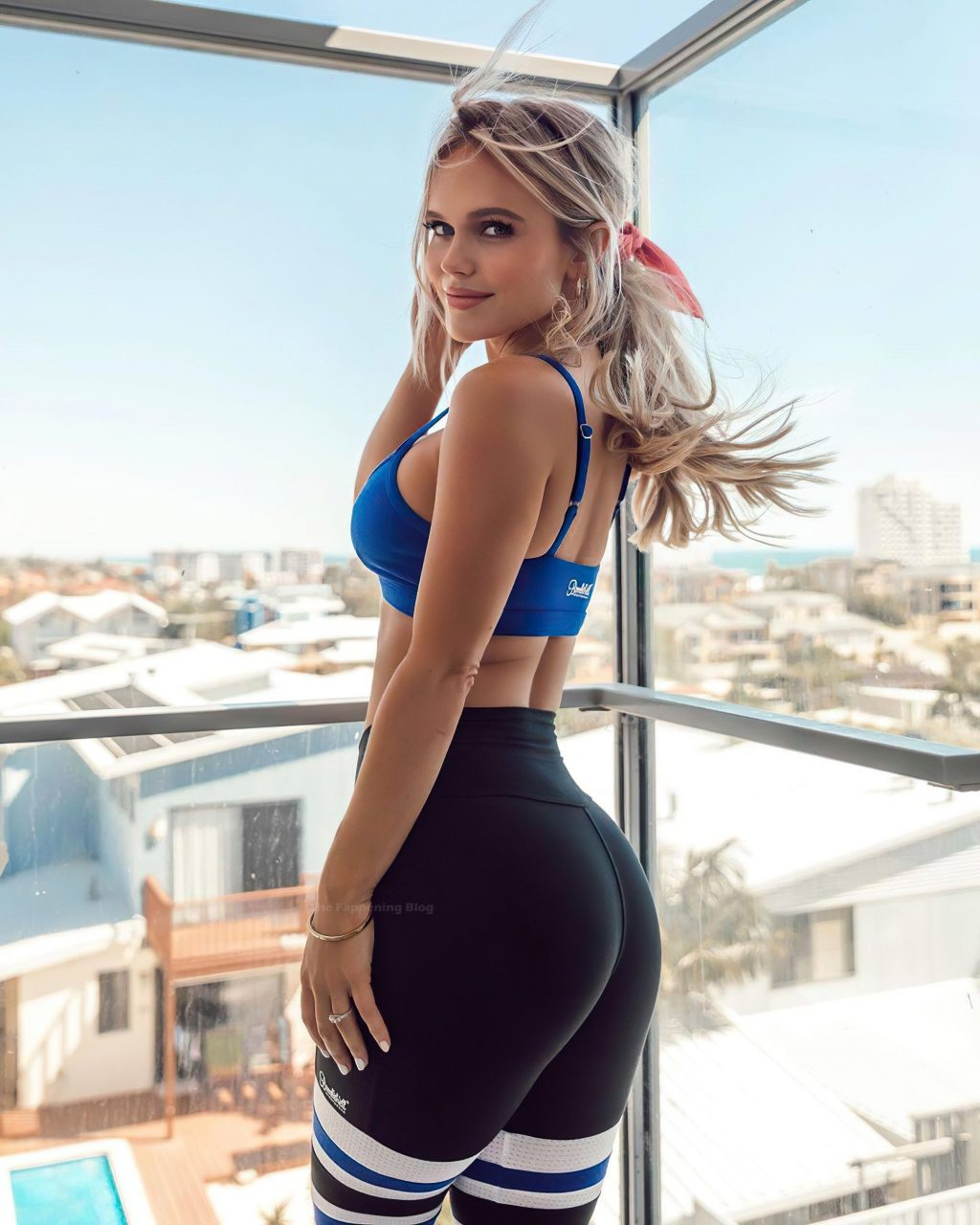 Hilde Osland Shows Off Her Booty in Leggings (6 Photos)
