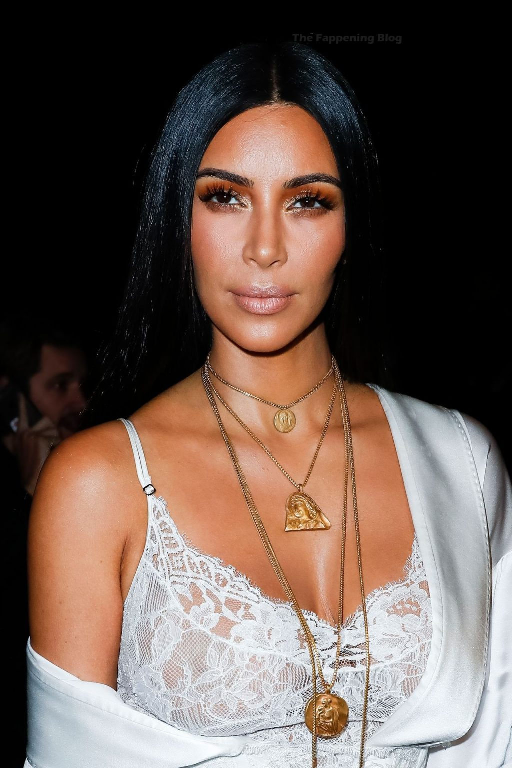 Kim Kardashian Shows Off Her Tits at the Fashion Week in Paris (3 Photos)