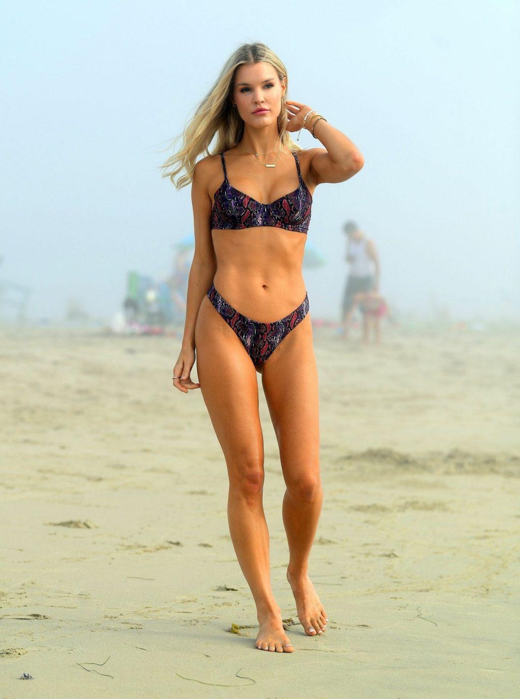 Joy Corrigan Sends Pulses Racing with a Photoshoot at Venice Beach (40 Photos)