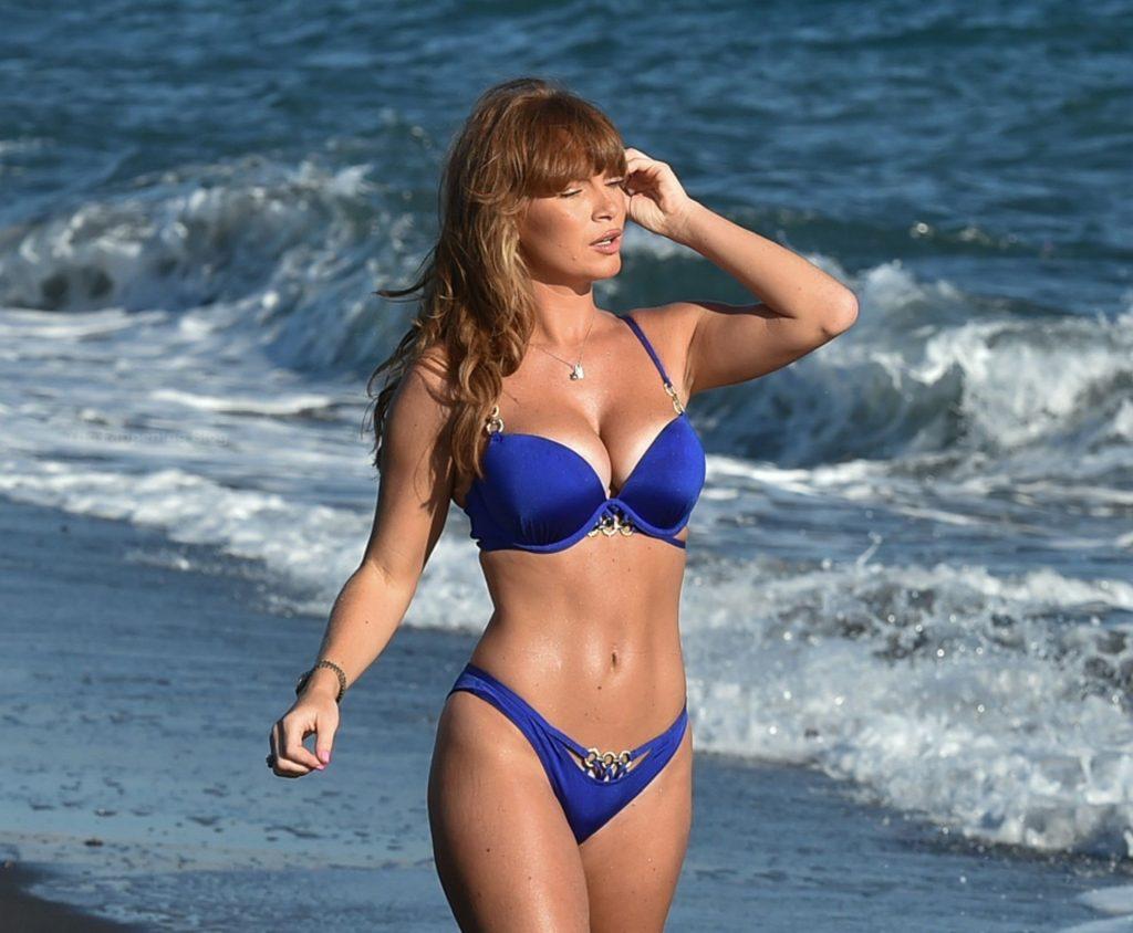 Summer Monteys-Fullam Takes a Break as She Enjoys A Day on the Beach in Santorini (20 Photos)