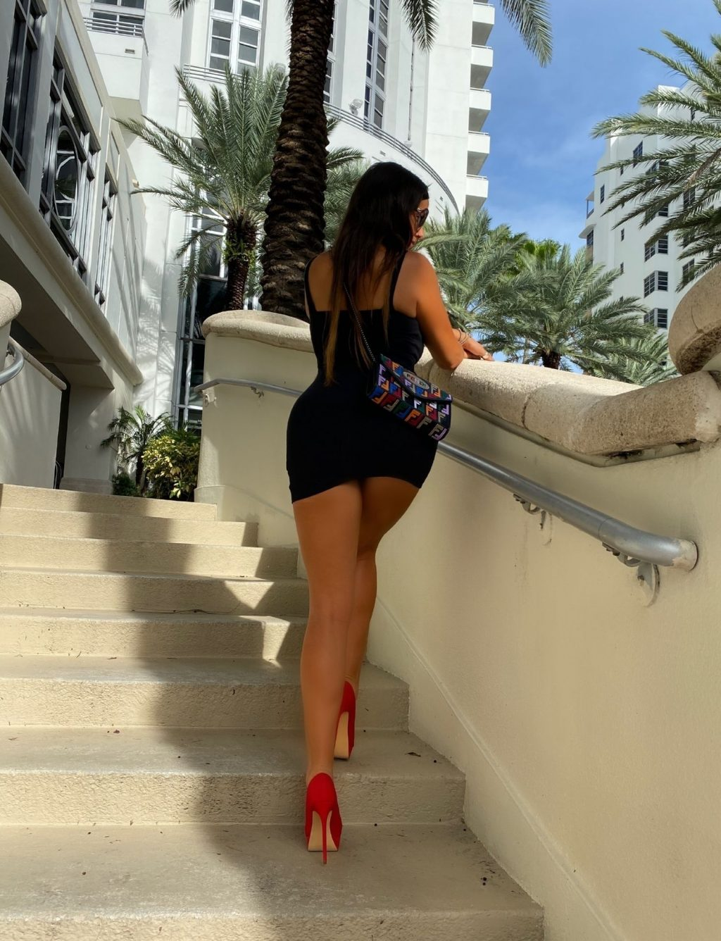Claudia Romani Poses for Soro Bags and Accessories (8 Photos)