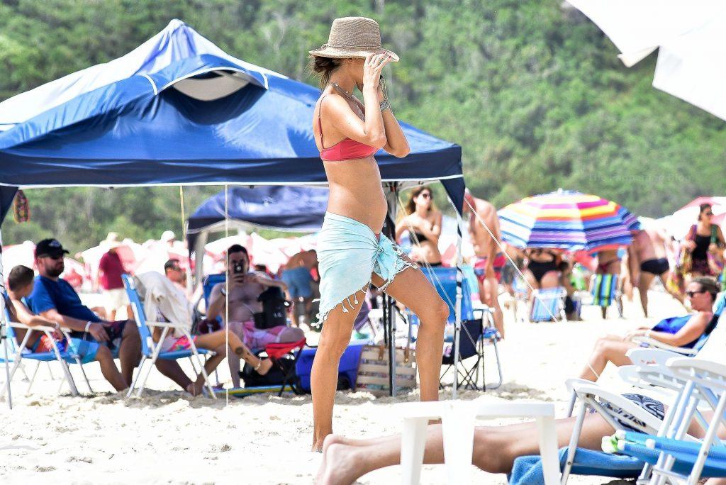 Alessandra Ambrosio Enjoys Her Last Day In Brazil (42 Photos)