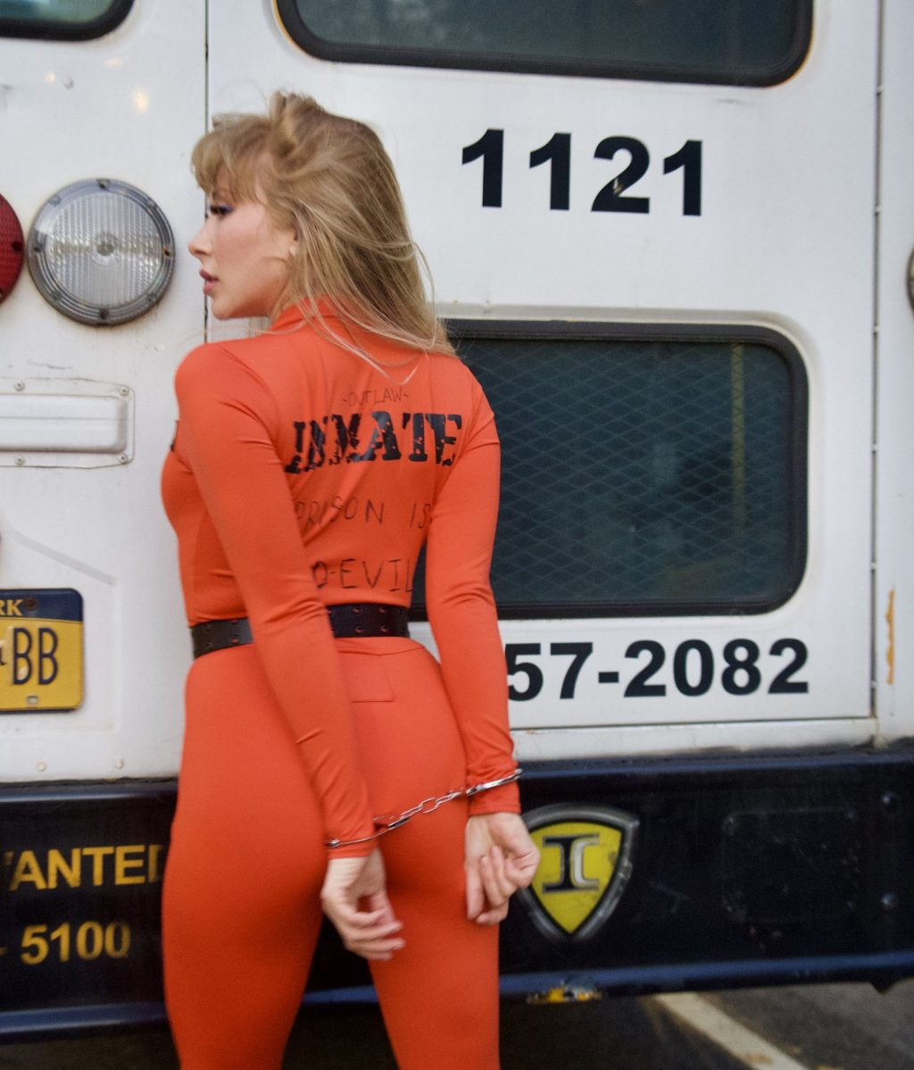 """Alexandra Vino Dresses as a Sexy Inmate for Halloween While Calling Prisons """"Mid-Evil"""" (14 Photos)"""
