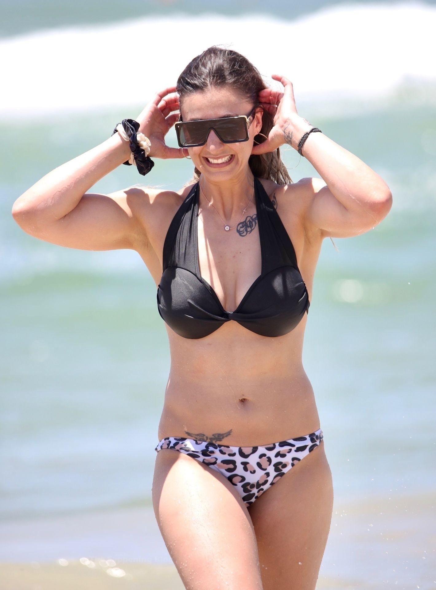 Micallef  nackt Amanda Wold Pageants