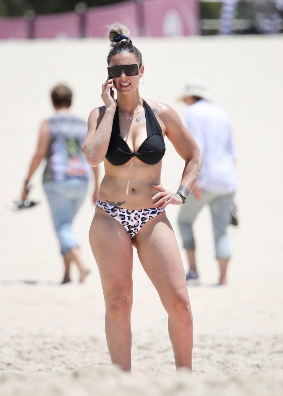 Amanda Micallef Shows Off Her Bikini Body on the Gold Coast (17 Photos)